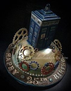 Cake Wrecks - Home - Sunday Sweets: Steampunk! (Sub'd by Sharyn H. made by The Little Cake Patch) Maybe time is a little less wibbly-wobbly when it's steam-powered. Cake Wrecks, Crazy Cakes, Fancy Cakes, Cupcakes, Cupcake Cakes, Fondant Cakes, Beautiful Cakes, Amazing Cakes, Dr Who Cake