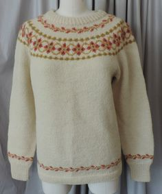 Label: Foldal A/S, Handknitted in Ålesund - Norway Hand Knitting, Knitting Patterns, Norwegian Knitting, Ski Sweater, Color Combinations, Knit Crochet, Pullover, Wool, Sweaters