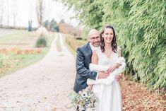 Pic by Gabriela Oswald November is a month to celebrate. Days are still long enough to take pictures outside. Snow hasn't arrived yet and people are eager to get together! #events #swissevents #winterevents #swissweddings #winterweddings #gardenwedding #couplepictures #novemberwedding
