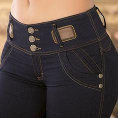 Detalles de cuero que renuevan tu jeans de siempre. ¡Moda internacional en prendas colombianas! www.jeanstyt.com/Tienda/es Envíos GRATIS a toda Colombia #YoVistoTyt #YoAmoTyt #TytJeans #Moda  #levantacola
