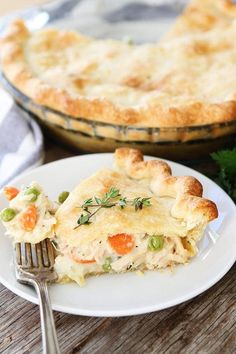 Chicken Pot Pie Recipe on twopeasandtheirpod.com This classic homemade chicken pot pie is the ultimate comfort food! Chicken Pot Pie Crust, Homemade Chicken Pot Pie, Chicken Recipes, Chicken Potpie, Quick Easy Chicken Pot Pie Recipe, Chicken Pot Pie Recipe Pioneer Woman, Chicken Cordon, Food Dishes, Main Dishes