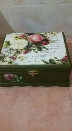 Painted Boxes, Wooden Boxes, Diy And Crafts, Arts And Crafts, Decoupage Art, Altered Boxes, Jewellery Boxes, Jewel Box, Gift Store