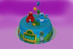 Sesam street kake. Supersøt 1 og 2 års bursdag kake.  Kan lages både som sjokoladekake og marsipanbløtkake. Ta kontakt for mer info på post@bellakaker.no eller ta en titt på websiden min www.bellakaker.no