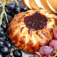 Baked Brie with Raspberry Preserves-a simple and elegant holiday party ...