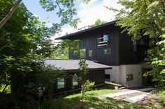 休寛荘|中村好文 Dream House Plans, My Dream Home, Japanese Architecture, Architecture Design, Village Houses, Black House, Craftsman Style, Beautiful Space, Facade