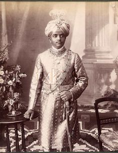 Mysore is known to us more as the Kingdom of Hyder Ali and his son Tipu Sultan rather than the kingdom of Wodeyar rulers Antique Photos, Old Photos, Vintage Photos, King Of India, Hyder Ali, Mysore Palace, Cultural Capital, History Of India, Indian Heritage