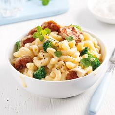 Macaroni au fromage et aux saucisses - 5 ingredients 15 minutes Confort Food, Hamburger Helper, Pasta Noodles, Orzo, Macaroni And Cheese, Vegetarian Recipes, Good Food, Food Porn, Ethnic Recipes