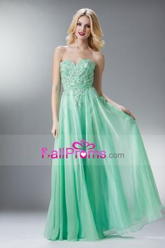 2014 Sweetheart Appliqued Bodice A Line Full Length With Flowing Chiffon Skirt