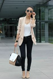 99 Fashionable Office Outfits and Work Attire for Women to Look Chic and Stylish. - 99 Fashionable Office Outfits and Work Attire for Women to Look Chic and Stylish – Lifestyle Scoops Source by - Mode Chic, Mode Style, Style Blog, 50 Style, Style Star, Curvy Style, Outfit Essentials, Look Blazer, Casual Blazer