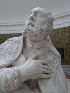Gent - België - Museum voor Schone Kunsten (MSK). Marmeren beeld van de Heilige Livinus, gemaakt door Laurent Delvaux (1696-1778), aangekocht in 1886. Foto: G.J. Koppenaal - 23/2/2017.