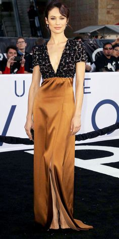 Olga Kurylenko in Burberry gown, Valentino clutch, Tom Ford shoes - At the Oblivion premiere in LA.  (2013)