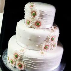 #daisyweddingcake
