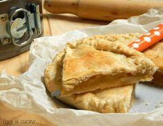 L'apple pie è la classica torta di mele americana, è composta da due strati di pasta brisè e da un ripieno di mele, zucchero di canna e cannella.
