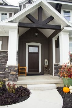One of the many e-mails I get about our house postings, is about the Black Rundle Stone . We were immediately drawn to this stone when searc...