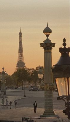 City Aesthetic, Travel Aesthetic, Beige Aesthetic, Places To Travel, Places To Visit, Travel Destinations, Holiday Destinations, Moving To Paris, Oui Oui