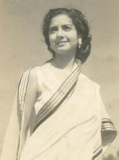 Zaibunissa Hamidullah 1921-2000 by Doc Kazi, via Flickr  Zaibunnissa Hamidullah was a pioneer amongst women journalists of South Asia. A column writer for English newspapers, including Dawn, Zaibunnissa launched Pakistan's first woman's weekly in English, The Mirror.