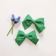 Mini School Girl Bow Kelly Green with Nylon Band or Hair Clip, nylon bow headbands, nylon baby headbands, hair bows, preemie headband, pigtail bows, pigtails, pigtail set, Etsy store