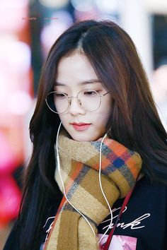 Kpop Girl Groups, Korean Girl Groups, Kpop Girls, Blackpink Jisoo, K Pop, Black Pink ジス, Cute Baby Videos, Mixed Girls, Jennie Lisa
