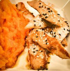 Aiguillettes de poulet à la sauce soja, purée de carottes au curcuma, Recette Ptitchef Cauliflower, Meat, Chicken, Vegetables, Cooking, Ethnic Recipes, Melina, Food, Saveur