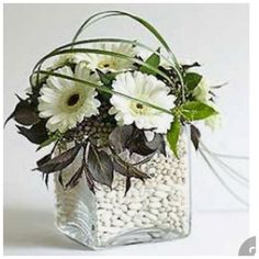 Christmas Arrangements, Christmas Centerpieces, Floral Centerpieces, Cymbidium Orchids, Deco Floral, Arte Floral, Creative Flower Arrangements, Floral Arrangements, Ikebana