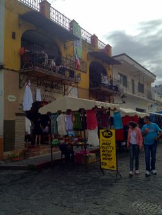 Cafe Tantra - Tepoztlan Mexico 1/2  yes, it is in the middle of market.  yes, it offer WC public service (but is clean)