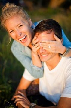 Love this engagement picture - would work as a wedding shot too! #engagement #wedding