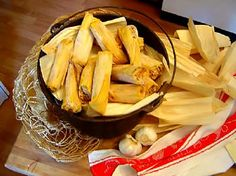 This is the best recipe with step-by-step instructions for tamales! Try it but get lots of help. You can pay them with tamales! Mexican Dishes, Mexican Food Recipes, New Recipes, Favorite Recipes, Yummy Recipes, Vegan Recipes, Mexican Desserts, Mexican Meals, Mexican Cooking