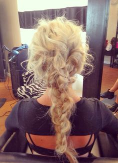 this hair is so incredibly cool