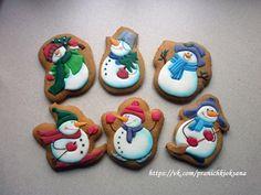 Новые фотографии Christmas Clay, Christmas Treats, Christmas Cookies, Spice Cookies, Sweet Cookies, Royal Icing Cookies, Cake Cookies, Snowman Cookies, Xmas Food