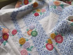 Vintage Hand Embroidered Table Cloth-BEAUTIFUL RAISED FRENCH KNOT FLORAL'S