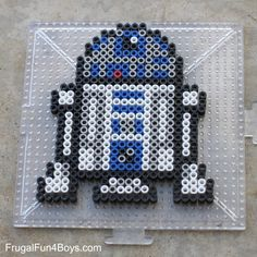 Star Wars Perler Beads Patterns - Frugal Fun For Boys and Girls crafts crafts crafts para vender crafts Easy Perler Bead Patterns, Melty Bead Patterns, Perler Bead Templates, Diy Perler Beads, Perler Bead Art, Pearler Beads, Beading Patterns, Art Patterns, Easy Perler Beads Ideas