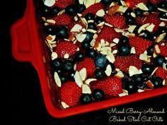 The Weekend Gourmet: Mixed Berry-Almond Baked Steel Cut Oats
