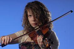 Chattanooga violinist battles partial deafness