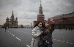 """Rusia lanza campaña para tomarse selfies """"seguras"""" - Yahoo Noticias"""