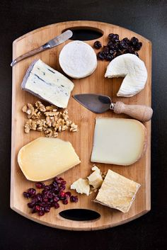 Six cheeses for the perfect basic cheese plate.