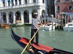 Clothing Traditional Italian Costume | Gondolier in Traditional Dress in Venice, Italy