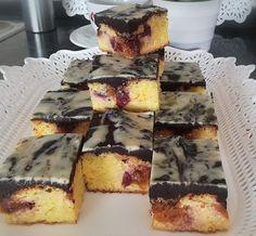 Pillekönnyű grízes túrós kevert süti gyümölccsel - Ez Szuper Cakes And More, Food Styling, Oreo, French Toast, Sweets, Cookies, Baking, Breakfast, Candy