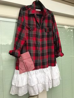 The Jill tunic: Classic plaid flannel, upcycled, eco friendly, plus size Western, sustainab Recycle Old Clothes, Redo Clothes, How To Make Clothes, Shirt Refashion, Diy Shirt, Clothes Refashion, Plaid Flannel, Flannel Shirts, Flannels