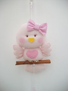 Pink Birdy - Polymer Clay (would make a cute ceiling fan pull) Felt Crafts, Fabric Crafts, Diy And Crafts, Crafts For Kids, Arts And Crafts, Fimo Kawaii, Fabric Animals, Felt Baby, Felt Birds
