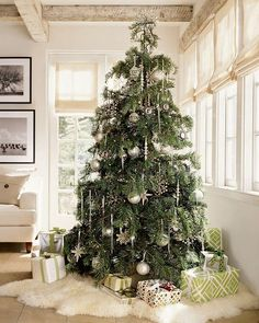 LUXURY CHRISTMAS TREE DESIGNS