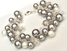 Pulsera racimo pulsera Perla plata pulsera por somethingjeweled