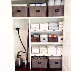 Linen closet storage and organization Bathroom Closet Organization, Home Organisation, Closet Storage, Organization Hacks, Bathroom Storage, Cleaning Cupboard Organisation, Vacuum Storage, Storage Room, Bathroom Styling