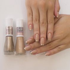 Simple nails design can be beautiful and fashionable. In the pictures below, we collected simple manicure designs. You will find that simple color Acrylic Nail Designs, Acrylic Nails, Gel Nails, Nail Polish, Simple Nail Designs, Beautiful Nail Designs, Make Up Inspiration, Nails Inspiration, Uñas Fashion