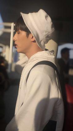 Nct Winwin, Boy Photography Poses, I Luv U, Jung Woo, Boy Photos, Taeyong, Jaehyun, Nct Dream, Nct 127
