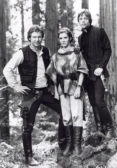 "filmartbox no Twitter: ""Harrison Ford, Carrie Fisher and Mark Hamill on the set of Return Of The Jedi (1983).… "" ."