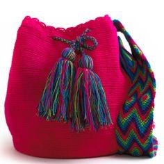 Cabo Wayuu Mochila Bag Love Crochet, Knit Crochet, Crochet Hats, Crochet Handbags, Crochet Purses, How To Make Purses, Crochet Market Bag, Boho Bags, Tapestry Crochet