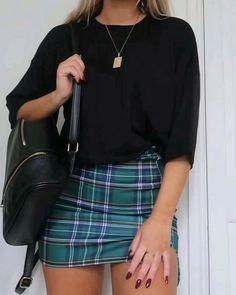 3 suuuper quick tartan skirt outfits love a tartan combo at this time of year! Tartan Skirt Outfit, Casual Skirt Outfits, Denim Outfit, Trendy Outfits, Cute Outfits, Fashion Outfits, Rock Outfits, Tartan Skirts, Casual Skirts