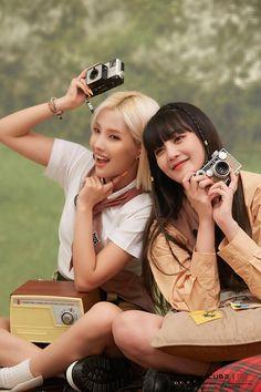 To neverland — Seasons Greetings behind the scenes South Korean Girls, Korean Girl Groups, Jaehyo Block B, Girl Photography Poses, Extended Play, Cube Entertainment, Soyeon, Yugi, Korean Artist
