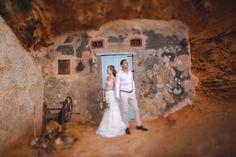 Wir hoffen, dass wir bald wieder nach Mallorca reisen dürfen. Dort hatten wir auch diese beiden lieben Menschen fotografiert. Frohe Ostern!!⠀⠀⠀⠀⠀⠀⠀⠀⠀ @san.mesz @san.mesz1⠀⠀⠀⠀⠀⠀⠀⠀⠀ .⠀⠀⠀⠀⠀⠀⠀⠀⠀ .⠀⠀⠀⠀⠀⠀⠀⠀⠀ . ⠀⠀⠀⠀⠀⠀⠀⠀⠀ #hochzeitsfotografmallorca #heiratenaufmallorca #heiratenaufmallorca2021 #braut2021 #bride2021 #weddinginmallorca #mallorcawedding #mallorcaweddingsphotographer #bridetobe #novias2021 #bodas #weddingsinspiration #adventurouslovestories #destinationwedding… Destination Wedding, Adventure, Painting, Wedding, Happy Easter, People, Painting Art, Destination Weddings, Paintings