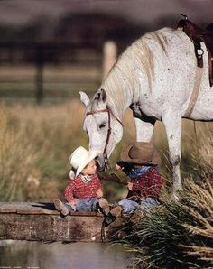 Lil cowboys - - - I can't resist these baby cowboy photos. Not when they're this cute. Cowboy Girl, Little Cowboy, Cowboy And Cowgirl, Little Boys, Cowboy Baby, Camo Baby, Pretty Horses, Horse Love, Beautiful Horses